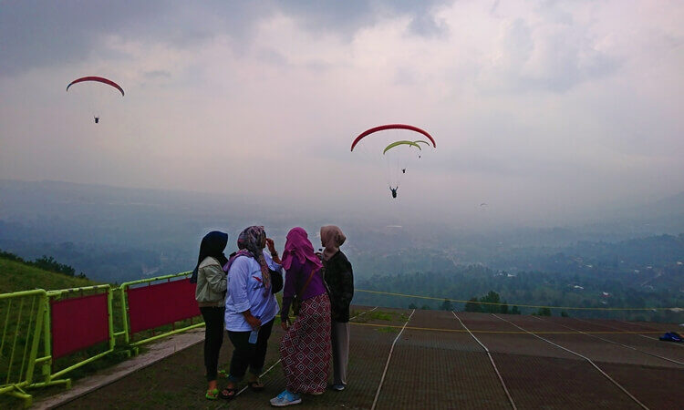 Indonesia Fly Paragliding